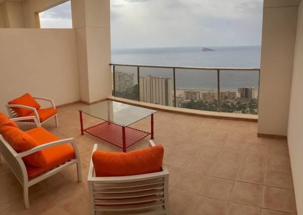 Gran terraza con vistas al mar